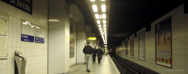 paris metro(パリのメトロ)La Défense></div>  <div id=