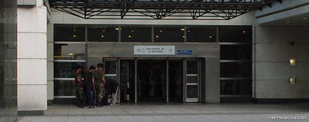 paris metro(パリのメトロ)Esplanade de La Défense></div>  <div id=