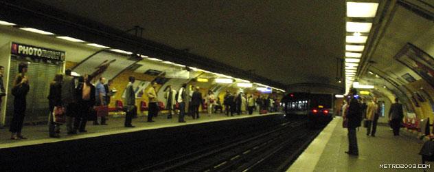 paris metro(パリのメトロ)Charles de Gaulle-Étoile></div>  <div id=