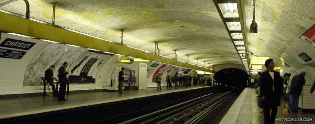 パリのメトロ Station de Métro parisien Châtelet