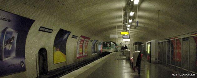 パリのメトロ Station de Métro parisien Michel-Ange Auteuil