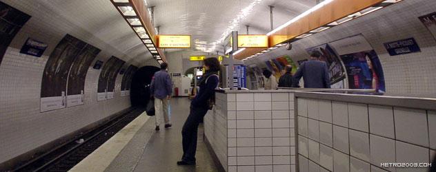 paris metro(パリのメトロ)La Motte-Picquet Grenelle></div>  <div id=