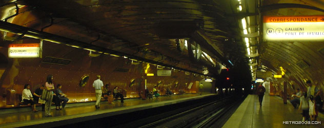 paris metro(パリのメトロ)Arts et Métiers></div>  <div id=