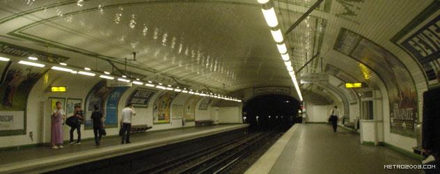 paris metro(パリのメトロ)Sèvres-Babylone></div>  <div id=