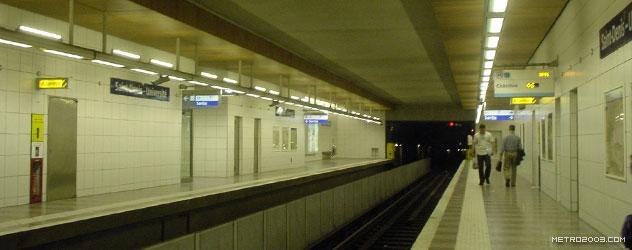 paris metro(パリのメトロ)Saint-Denis Université></div>  <div id=