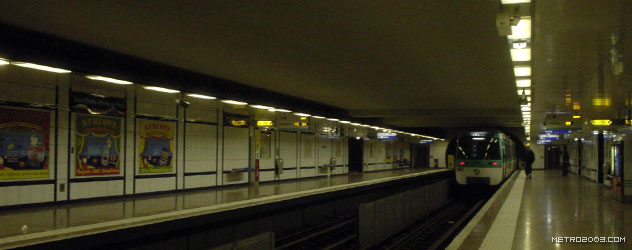 paris metro(パリのメトロ)Saint-Denis Porte de Paris></div>  <div id=