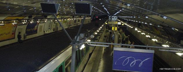 paris metro(パリのメトロ)Carrefour Pleyel></div>  <div id=