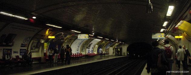 paris metro(パリのメトロ)Porte de Saint-Ouen></div>  <div id=