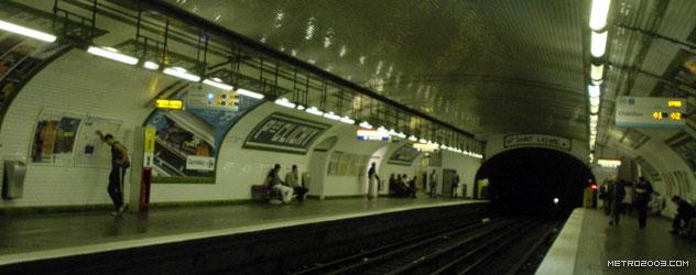 paris metro(パリのメトロ)Place de Clichy></div>  <div id=