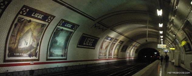 パリのメトロ Station de Métro parisien Liège