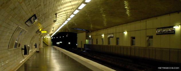 パリのメトロ Station de Métro parisien Porte Dauphine