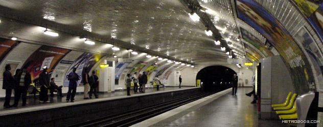 paris metro(パリのメトロ)Alexandre Dumas></div>  <div id=