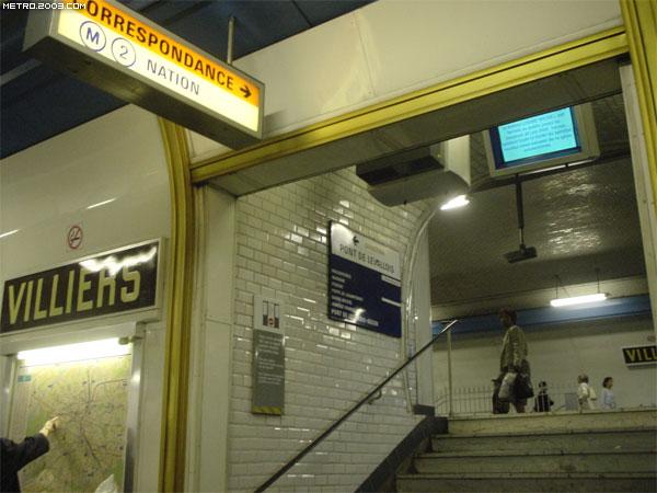 Villiers(ヴィリエ駅)| パリ...