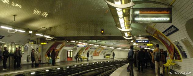 paris metro(パリのメトロ)Barbès-Rochechouart></div>  <div id=