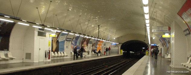 paris metro(パリのメトロ)Corentin Cariou></div>  <div id=