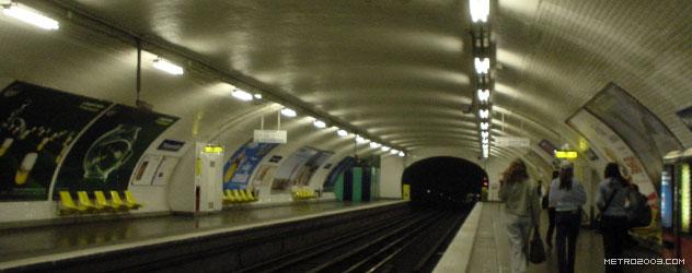 paris metro(パリのメトロ)Poissonnière></div>  <div id=
