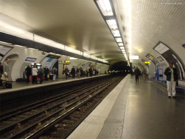 アンヴァリッド駅