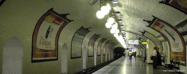 パリのメトロ Station de Métro parisien Bonne Nouvelle