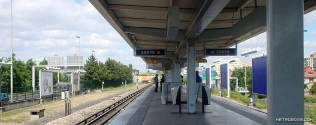 paris metro(パリのメトロ)Créteil-Université></div>  <div id=