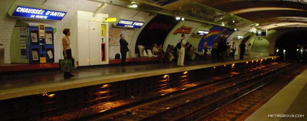 paris metro(パリのメトロ)Chaussée d'Antin-La Fayette></div>  <div id=