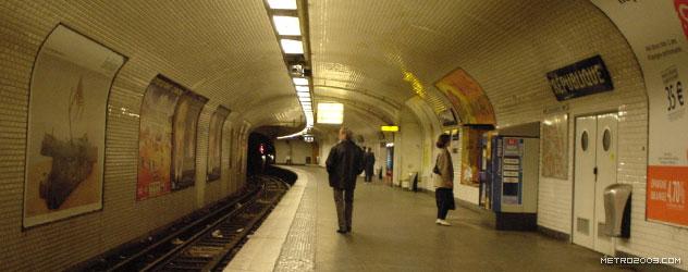 paris metro(パリのメトロ)République></div>  <div id=